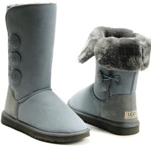 UGG BAILEY BUTTON TRIPLET PEWTER BOOTS SZ 6